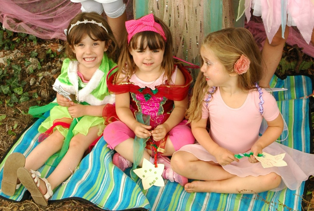 Toddlers enjoy a magical party with Viola Fairy
